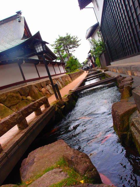 """飛騨高山の街並みFashion Flight: Let's talk about """"I-turns"""". Simple life at Rural old beautiful town; Hida-Takayama."""