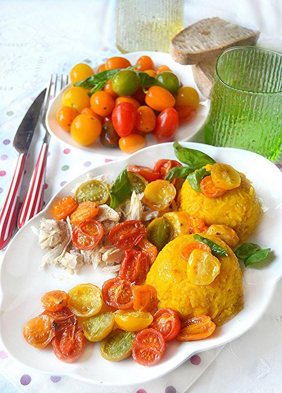 Dolci a go go: Tortini di riso basmati alla curcuma con pomodorini confit e pollo aromatizzato al timo