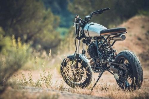 "Honda XR600 Street Tracker ""Made Max"" by Duke Motorcycles - Photo Julius design #motorcycles #streettracker #motos 