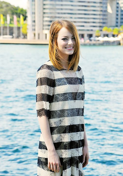 emma stone-growing to this awesome haircut!