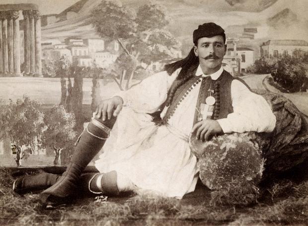 Σπύρος Λούης (1872 – 1940): Έλληνας μαραθωνοδρόμος, ο πρώτος αθλητικός θρύλος της νεώτερης Ελλάδας και από τις μορφές των Α' Ολυμπιακών Αγώνων της Αθήνας...