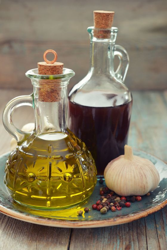 Do wykonania eliksiru potrzeba:  700 ml octu jabłkowego organicznego,  1/4 szklanki drobno posiekanego czosnku, 1/4 szklanki drobno posiekanej cebuli, 2 świeże papryczki chili, 1/4szklanki startego imbiru, 2 łyżki tartego chrzanu, 2 łyżki kurkumy w