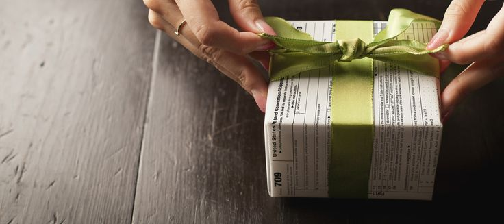 Giving While Living: Do You Understand the Gift Tax? | Charles Schwab