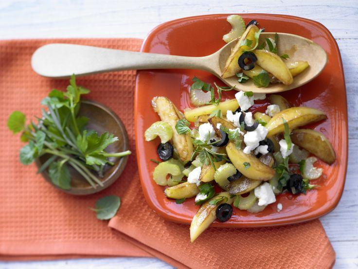 Urlaubsfeeling für zu Hause: Kartoffeln auf griechische Art - mit Rosmarin und Schafskäse - smarter - Kalorien: 368 Kcal - Zeit: 35 Min.   eatsmarter.de