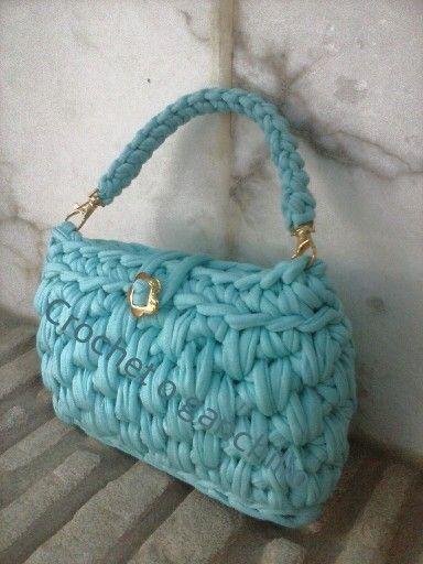 Bolso de mano en trapillo by Crochet o ganchillo