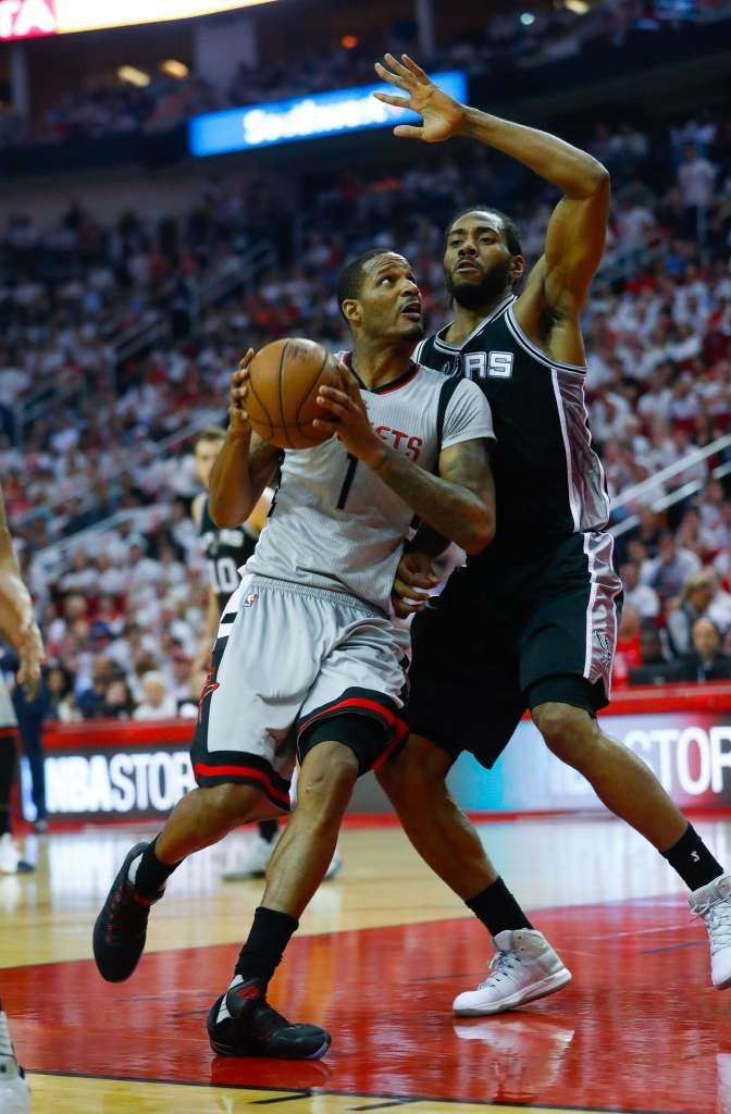 Houston Rockets forward Trevor Ariza (1) drives past San Antonio Spurs forward Kawhi Leonard (2) during the first half of Game 3 of the second round of the Western Conference NBA playoffs at the Toyota Center, Sunday, May 7, 2017, in Houston. ( Karen Warren / Houston Chronicle ) Photo: Karen Warren/Houston Chronicle