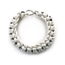 tangle collar