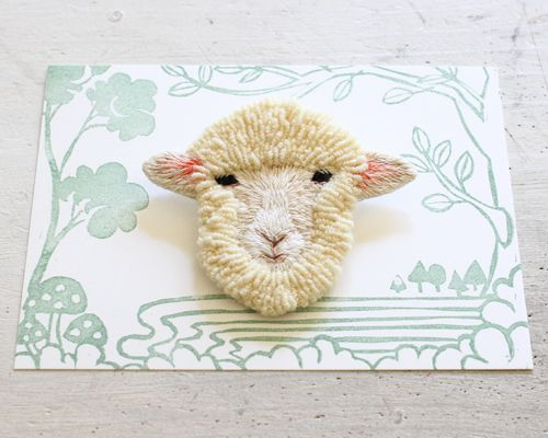 Embroidery sheep フェルト刺繍の羊 by PieniSieni
