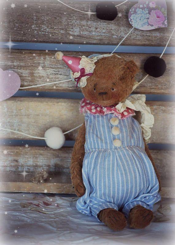 Theo : OOAK Vintage Style Sweet Artist Teddy Bear by Natali