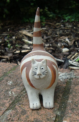A John Hilder, Devon, Studio Pottery Cat.