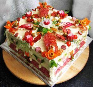 """Закусочные торты. Один из рецептов """"Бутербродный торт с тунцом"""""""