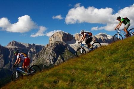 Sellaronda in Mountainbike  - Canazei