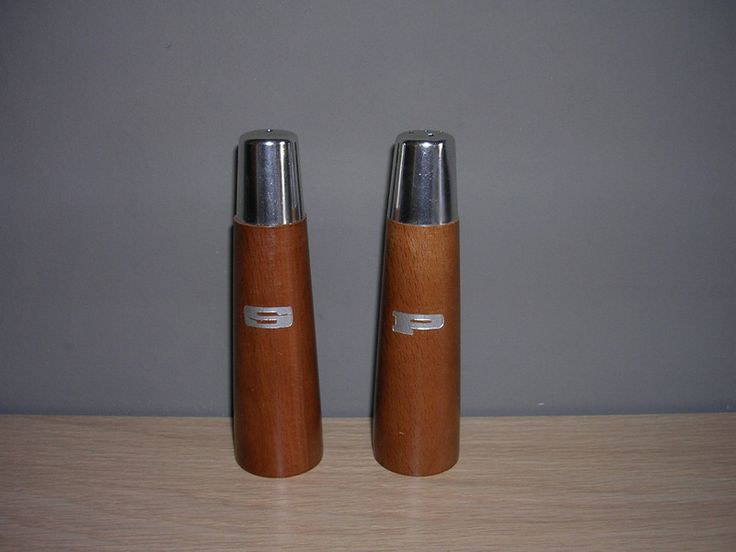 Vintage Salz & Pfefferstreuer,Holz,60er Jahre von Retromania auf DaWanda.com