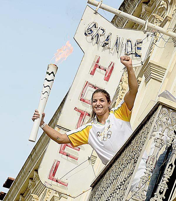#Muriaé festeja final de tour da tocha olímpica - Diário do Comércio: Diário do Comércio Muriaé festeja final de tour da tocha olímpica…