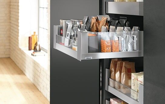 Keukenkast met lade-indeling Legrabox van Blum met glazen zijpanelen