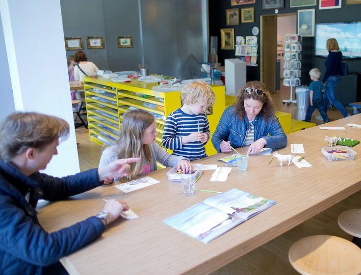 Het Gemeente museum biedt elke zondag leuke kinderactiviteiten tijdens de 'Open Kinderatelier' weken #leukomtedoen #gemeente #denhaag #museum #kinderen #activiteiten #uittips #kiekelechique