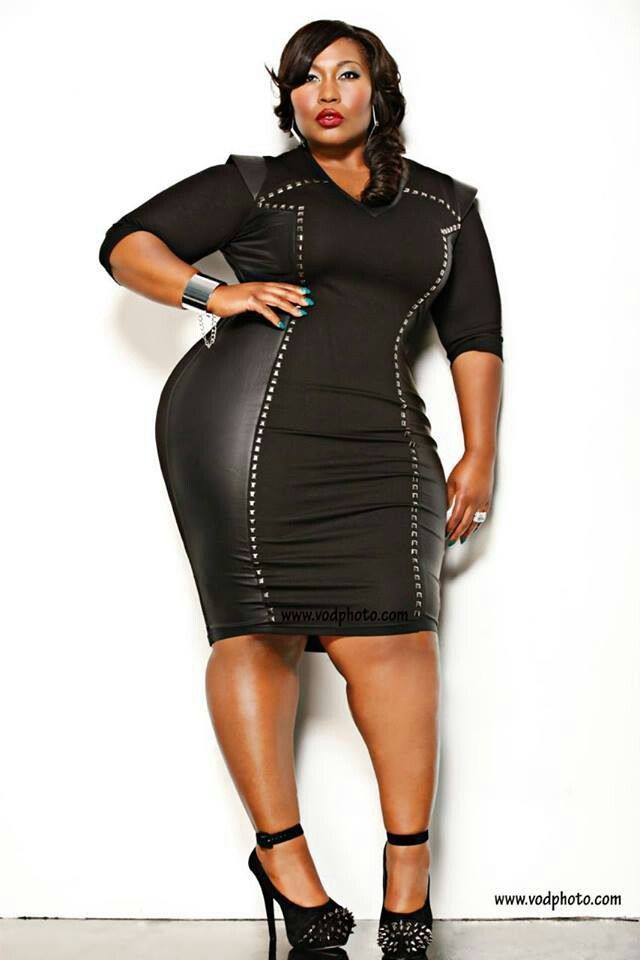 Black Fitted Dress Womens Plus Size Fashion Unique Style Inspiration New Years Style Unique_womens_fashion