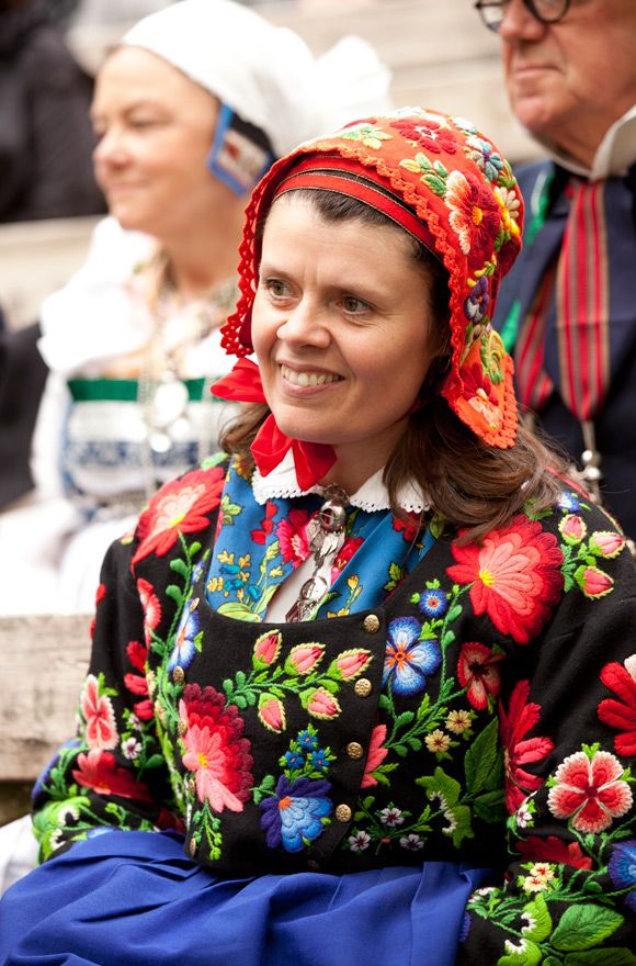Swedish Embroidery..... Book-release-Scandinavian-Folklore.20Costumes Bonansa, Folklore Fashion, Embroidered Jackets, Norsk Folkemuseum, Embroidered Cap, Folk Costumes, Dala Floda, Laila Duran, Scandinavian Folklore