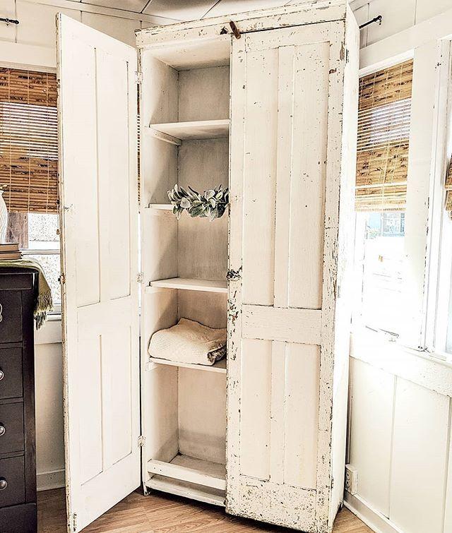 White Shabby Cabinet Farmhouse Furniture Farmhouse Remodel Farmhouse Cabinets