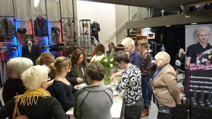 Bloemen workshop tijdens Ladies Night!