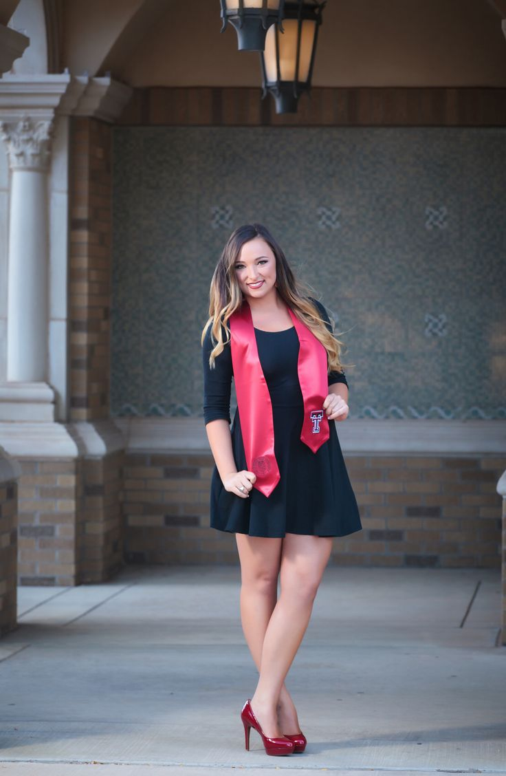 Texas Tech Graduation Picture! @kyndallking totally pinning this hahaha