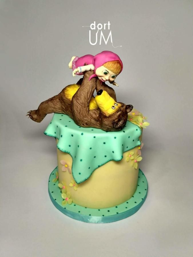 Masha and the bear cake by sarka finsterlova