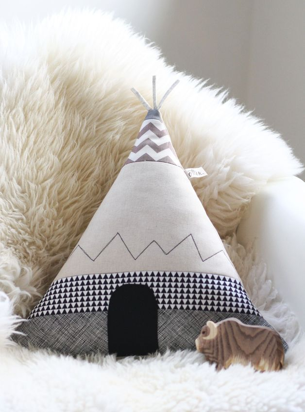 Tipizelt als Kissenbezug fürs Kinderzimmer/ cute teepee tent as pillow case for children's room made by Fräulein Otten via DaWanda.com