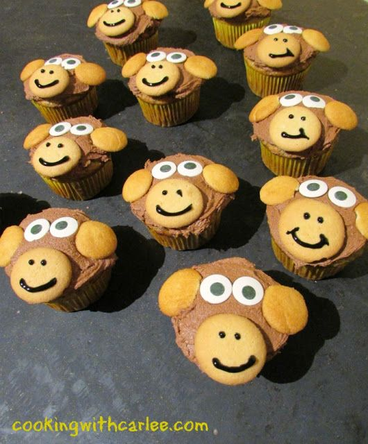 These monkey cupcakes are perfect for your child's birthday party.  Just think how cute they'd be at a Curious George Party as well.  Super cute and really easy!