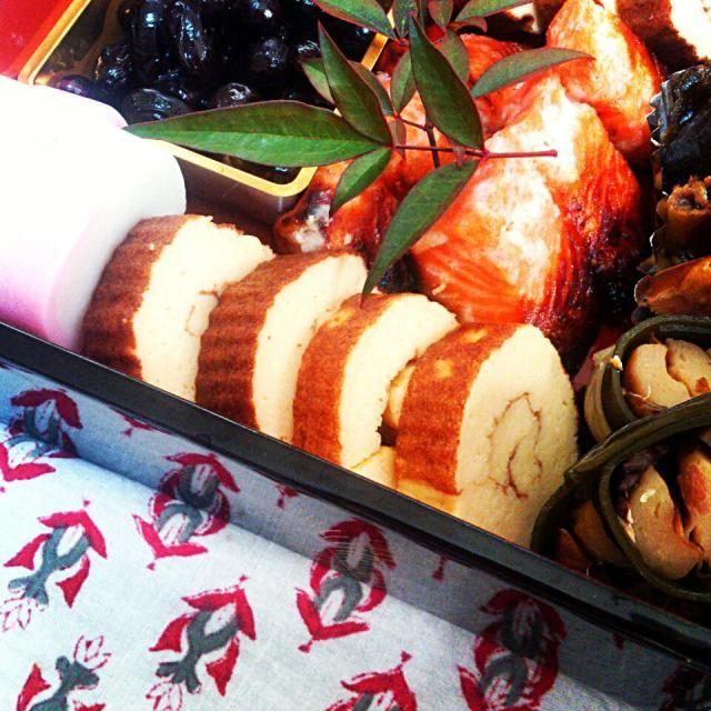 伊達巻は大好きなのですが市販のものだと些か甘すぎる…というわけで今年初挑戦!美味しかったー! - 8件のもぐもぐ - 伊達巻 by yayoi0325
