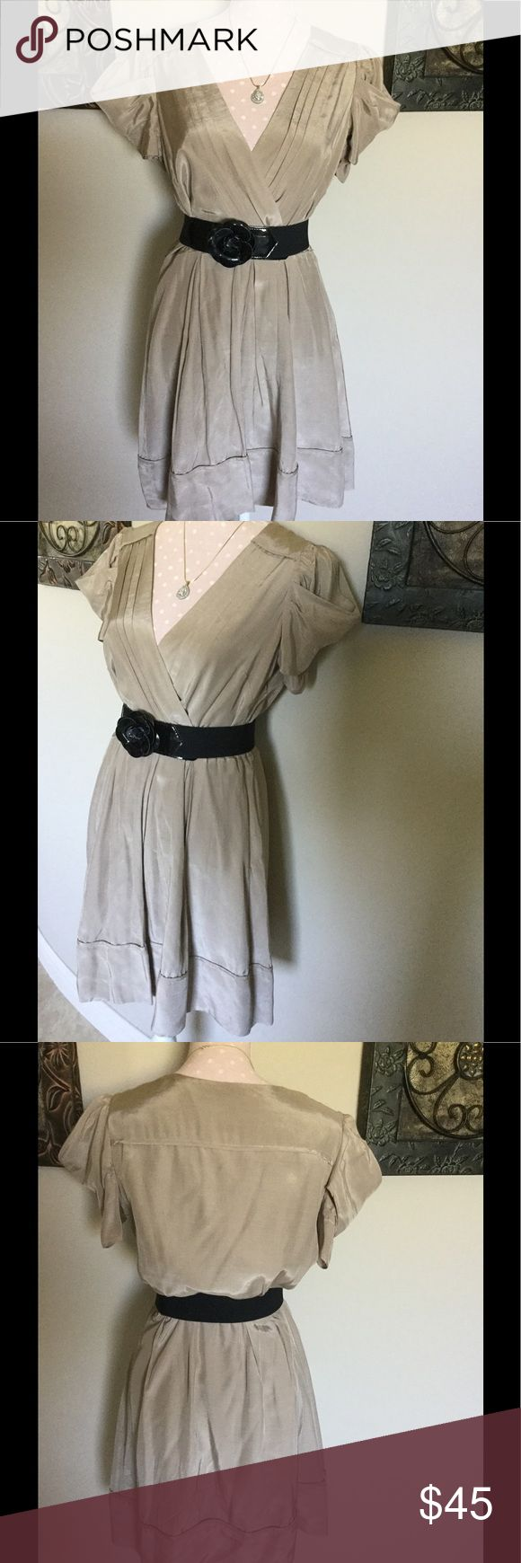 Jessica Simpson Size 8 Dress Jessica Simpson Dress Size 8 I lost weight so my loss is your gain! MY Belt Is NOT included Jessica Simpson Dresses