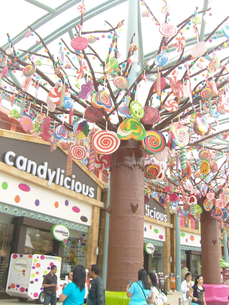 3. Decorated tree~ How about a candy tree?