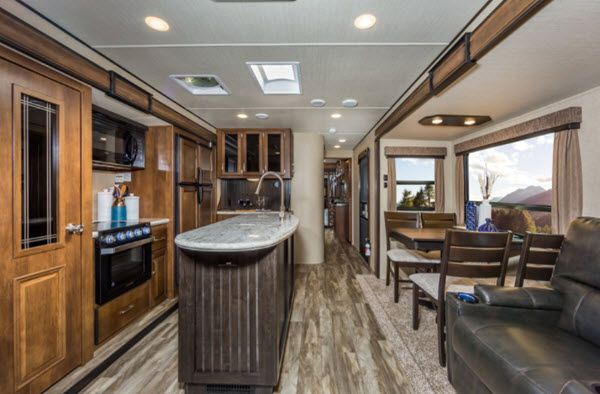 Grand Design Reflection Travel Trailer Reviews Floorplans Features Available Models Rvingplanet Travel Trailer Reviews Grand Design Rv Grand Designs
