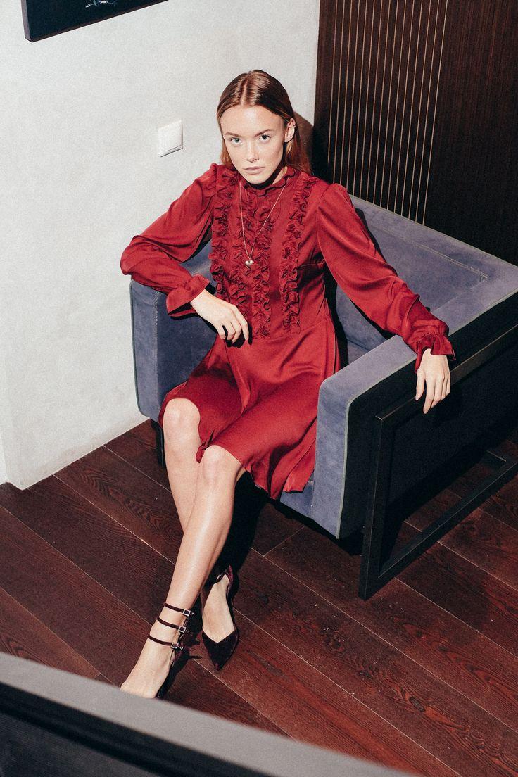 Beresta autumn - winter 2017 , look book, red dress, бордовое платье солнце