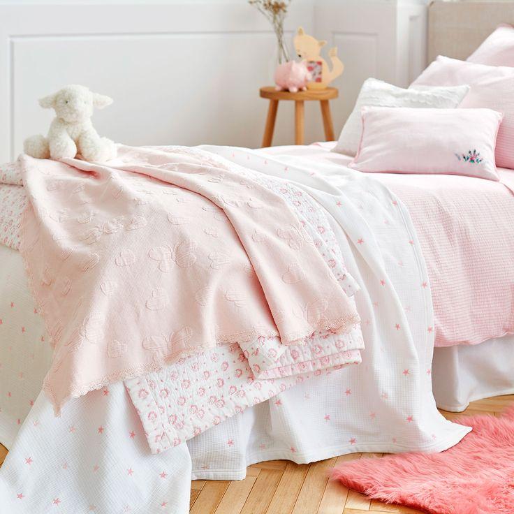 couvre lit coton c ur et papillon dentelle. Black Bedroom Furniture Sets. Home Design Ideas