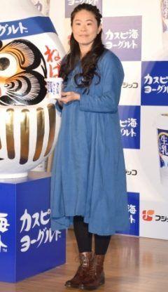 元サッカー女子日本代表の澤穂希がフジッコ受験生ねばり勝ちイベントカスピ海ヨーグルト合格応援式にゆったりとした青のワンピース姿で登場しました 現在妊娠7ヶ月なんだそうですよ 元気な赤ちゃんを産んで欲しいな(