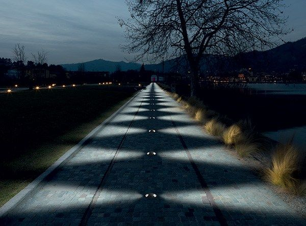 Illuminazione da incasso a LED a pavimento rotonda PASSUM Sidewards by Goccia Illuminazione