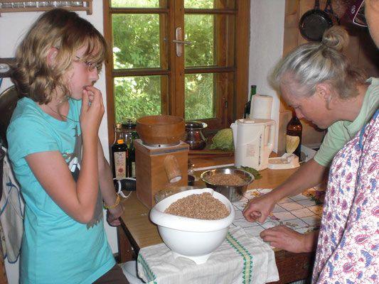 Wenn Älteste ihr Wissen teilen - Gemeinschaft leben - Camp vom 28.-30. Juni in der Steiermark - sei dabei! Familie - Spielraumnatur - Naturverbindung lernen & leben