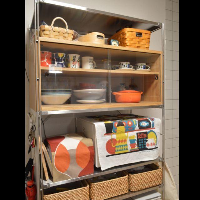 無印良品の食器棚の活用術を紹介します!無印良品にはレンジ台にぴったりな収納家具がたくさんあります。スチールラックをレンジ台として使っている人も多いですよね。シンプルなデザインなのでどんなキッチンにもすっきりなじみます。活用事例をまとめましたので参考にしてみてください。