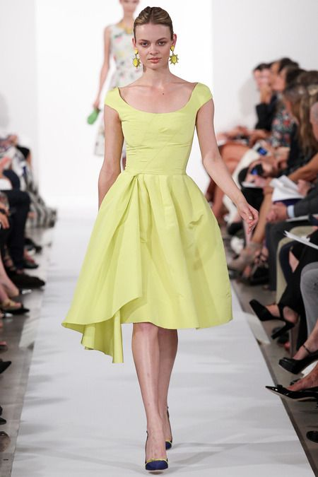 Oscar de la Renta Spring 2014 Ready-to-Wear.  What a beautiful bright color and awesome cut.  Can feel the wind through the cherry blossom trees already!