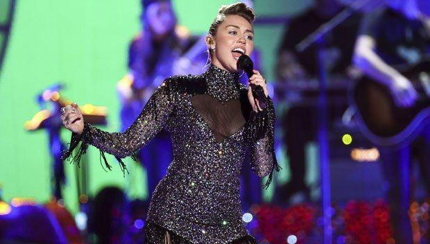Miley Cyrus Dazzles  and  Debuts New Music At Iheartradio Music Festival  --  Watch  #mileycyrus