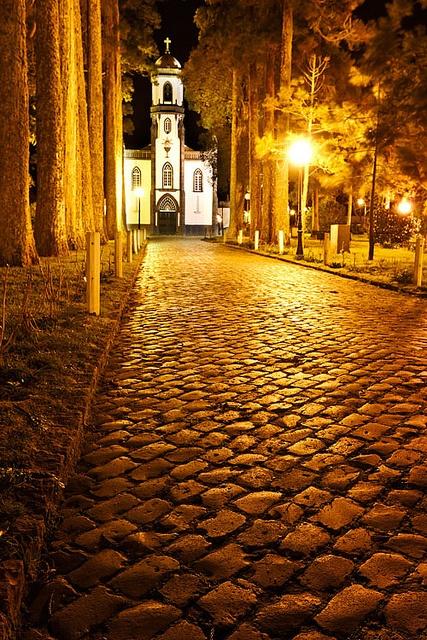 Igreja de São Nicolau, Sete Cidades. São Miguel Island, Azores, Portugal