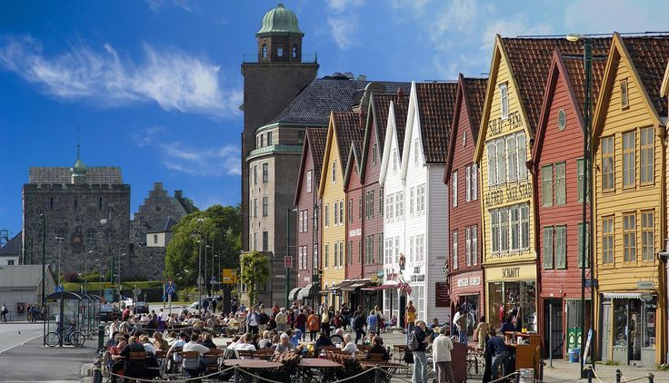 Head to Bergen, Norway, for the Hanseatic Days 2016 in June! More than 70 participating European cities, a festival not to be missed!