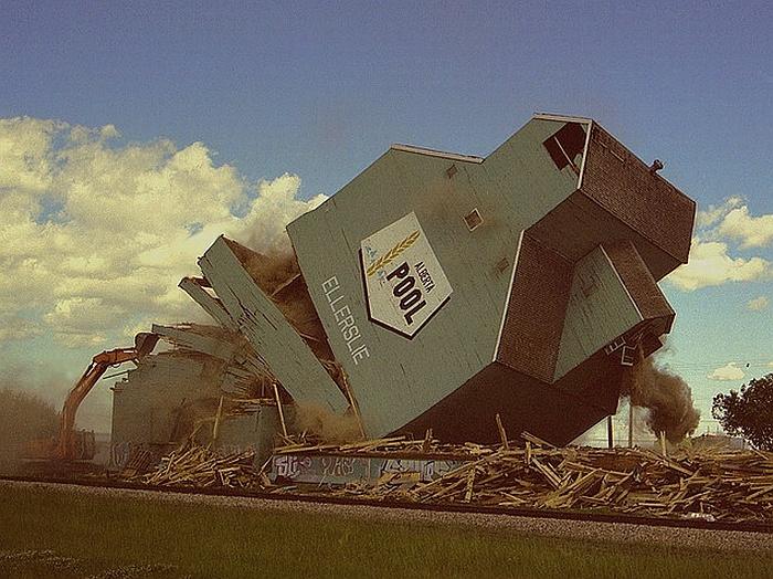 Ellerslie grain elevator, 1999.
