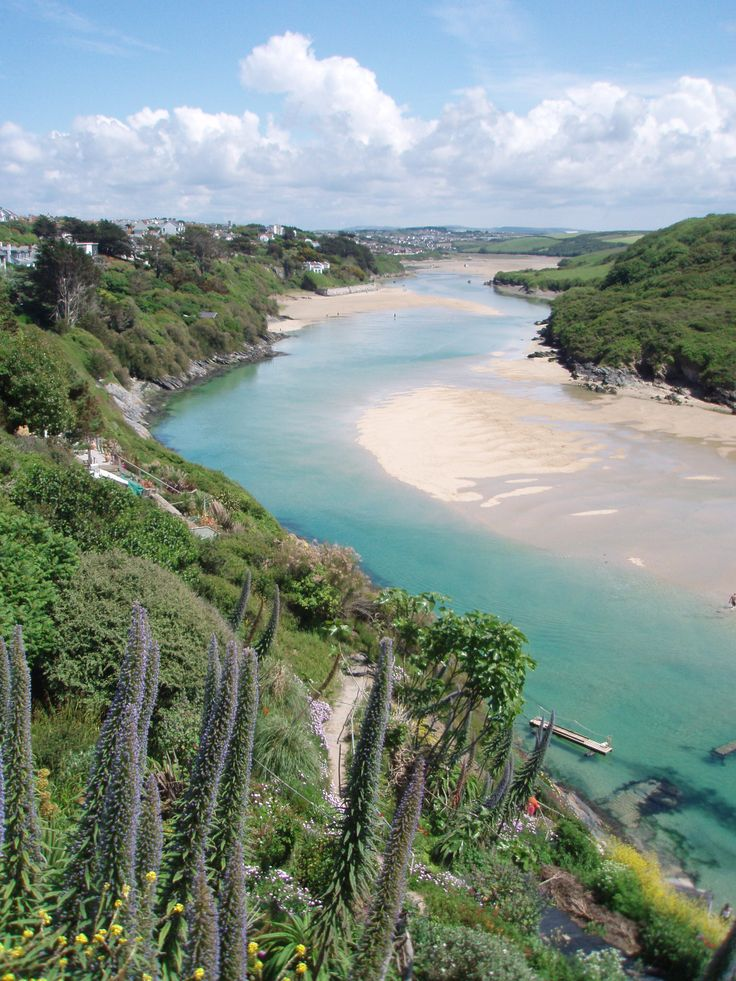 The river Gannel, a tidal estuary that divides the town of Newquay from the village Crantock. Cornwall, UK