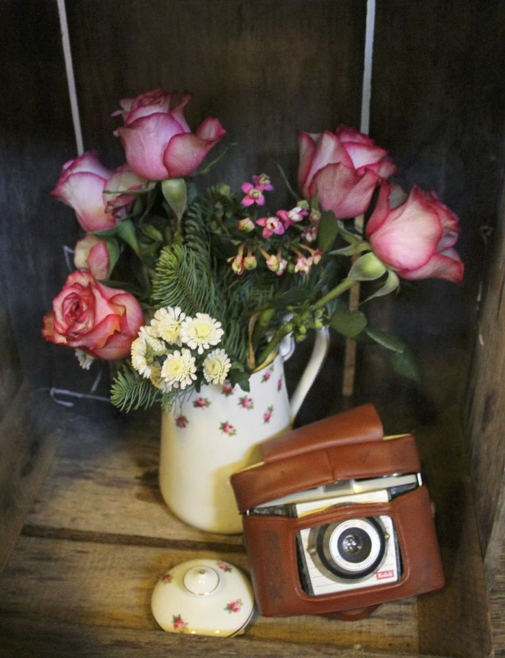 fancy vintage vase and old camera love, x