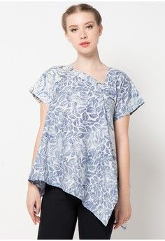 Charcoal Tropical Shaded Oak Blouse from DEBRA LUNN in blue_1