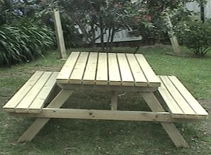How to build a large traditional picnic table ~ BuildEasy