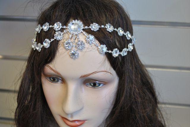 Elastic head piece Available at www.weddingwonderland.com.au #wedding #hairpieces #headbling #hairbling