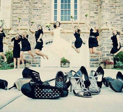 Great wedding pic idea.