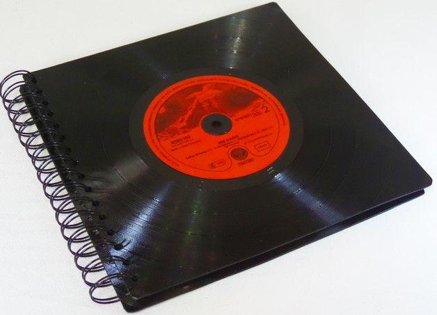 NEU IM SHOP !  **Fotoalbum mit 50 Seiten, Fotobuch, Fotomappe für Deine schönsten Erinnerungen aus Vinyl Schallplatte**   Fotoalbum, Fotomappe mit Vinyl Abdeckungen aus echten Schallplatten...
